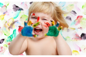 Чем покрасить детскую?